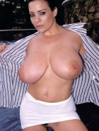 Preview Image #12 featuring Linsey Dawn McKenzie in Set #0020 from LinseysWorld.com