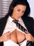 Preview Image #04 featuring Linsey Dawn McKenzie in Set #0021 from LinseysWorld.com