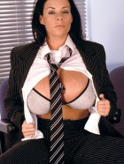 Preview Image #05 featuring Linsey Dawn McKenzie in Set #0021 from LinseysWorld.com
