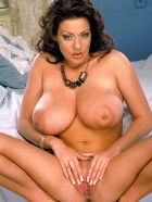 Preview Image #17 featuring Linsey Dawn McKenzie in Set #0024 from LinseysWorld.com