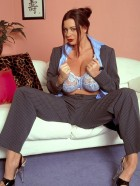 Preview Image #04 featuring Linsey Dawn McKenzie in Set #0030 from LinseysWorld.com