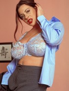 Preview Image #05 featuring Linsey Dawn McKenzie in Set #0030 from LinseysWorld.com