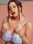 Preview Image #08 featuring Linsey Dawn McKenzie in Set #0030 from LinseysWorld.com