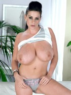 Preview Image #06 featuring Linsey Dawn McKenzie in Set #0033 from LinseysWorld.com