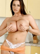 Preview Image #12 featuring Linsey Dawn McKenzie in Set #0043 from LinseysWorld.com