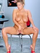 Preview Image #06 featuring Bre in Set #0027 from Scoreland.com