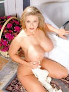 Preview Image #09 featuring Dixie Bubbles in Set #0244 from Scoreland.com